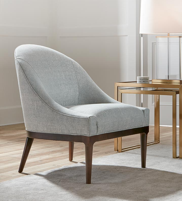 Bella Chair with side table and lamp