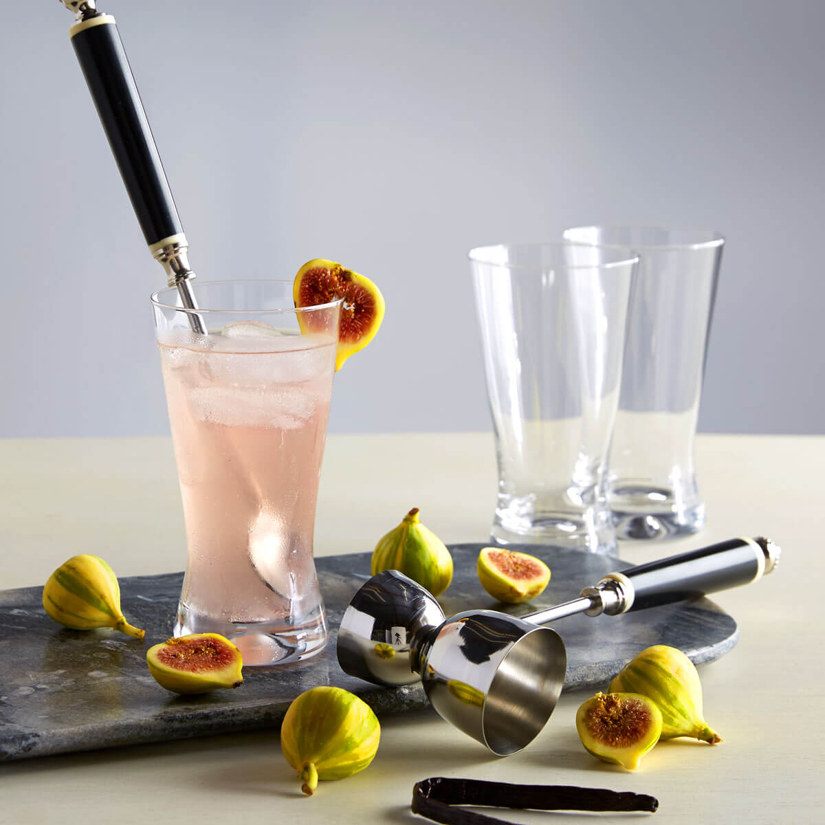 Vanilla and Fig Fizz Cocktail