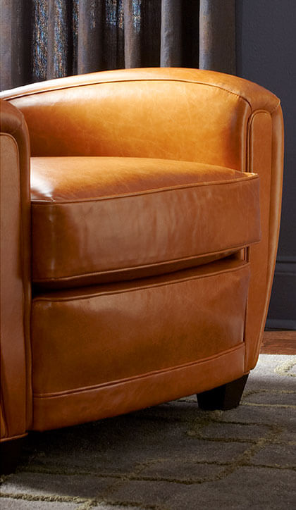 Semi-aniline leather chair